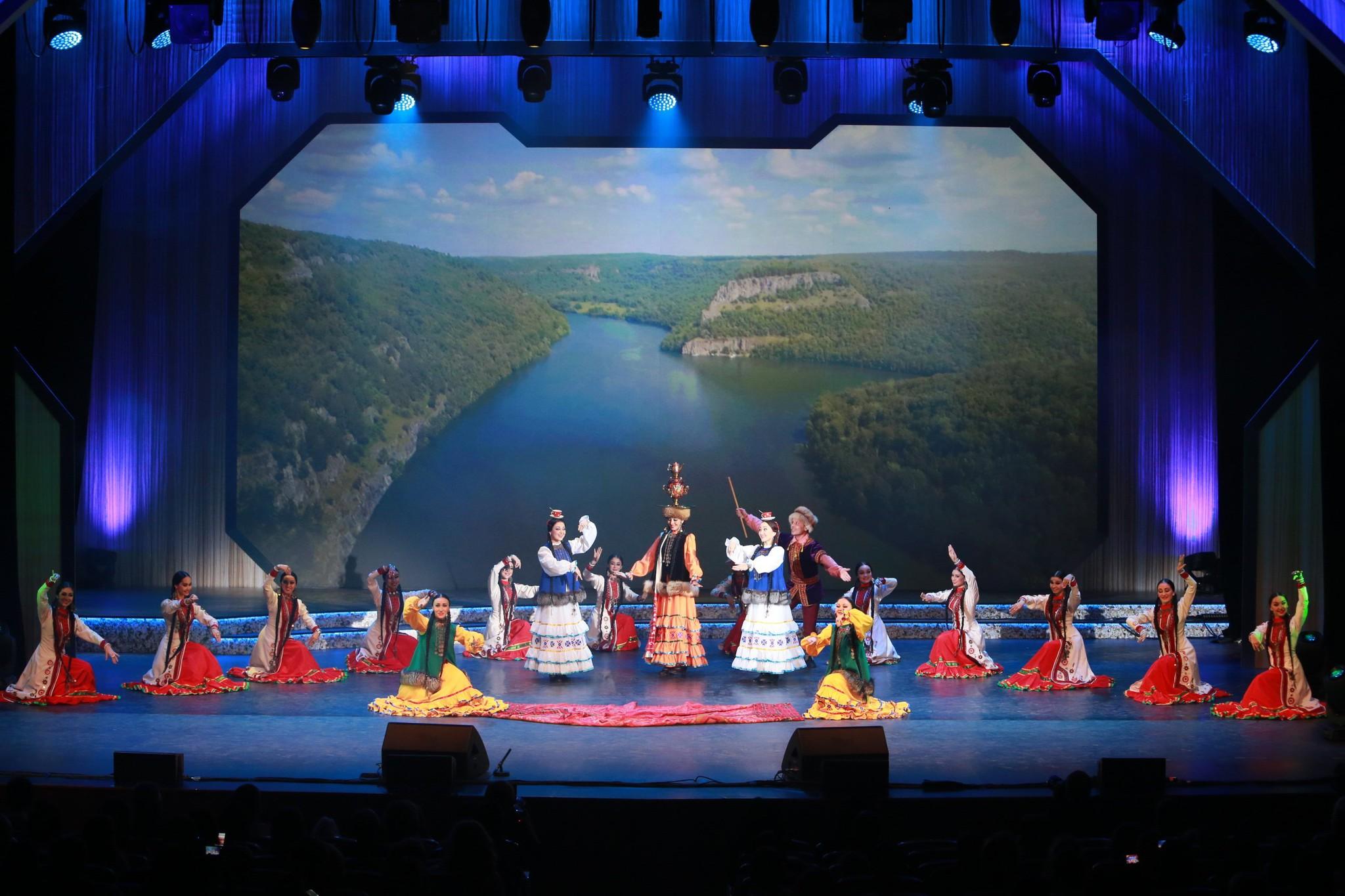 В Уфе с 15 по 22 октября 2016 года прошел зональный тур VII корпоративного фестиваля «Факел»